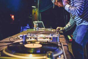 Las 10 mejores controladoras para DJ